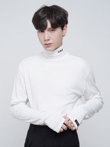 LOGO2 TURTLENECK [WHITE]